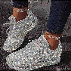 Custom_Bridal_Wedding_Takkies.jpg - 16.79 kB